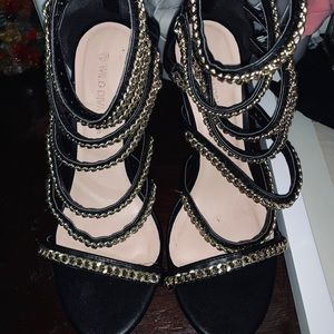 Black Gold chained high-heels
